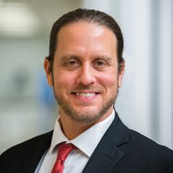 Amir Zur - Headshot