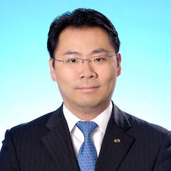 Ivan Cheung - Headshot