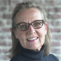 Susanne Somerville - Headshot