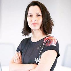 Marianna Parraga - Headshot