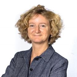 Amélie Breitburd - Headshot