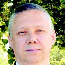 Boris Persak - Headshot