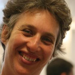 Carolyn Cohn - Headshot