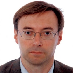 Florian Stärk - Headshot