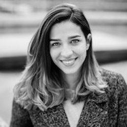 Mariana Dumont Headshot