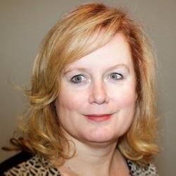 Monique Hesseling - Headshot