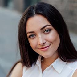 Jasmine Kees Headshot