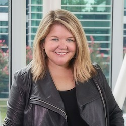 Jenny D. Robertson - Headshot