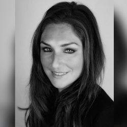 Sarah Unger - Headshot
