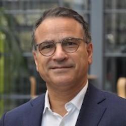 Hamid Zarghampour - Headshot