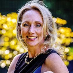 Hanneke Faber - Headshot