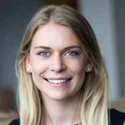 Kathryn Bloxham Headshot