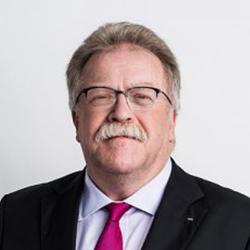 Reinhard Fischer - Headshot