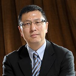 Dr. Shawn (Xiaohua) Qu - Headshot