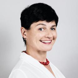Tamara Baksht - Headshot