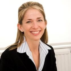 Tara Schmidt - Headshot