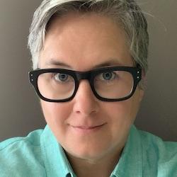 Erin DeRuggiero - Headshot