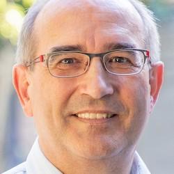 Dr. Peter Schnurrenberger - Headshot