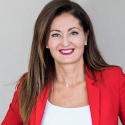 Sandra Silvestri - Headshot
