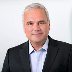 Stefan Oelrich - Headshot