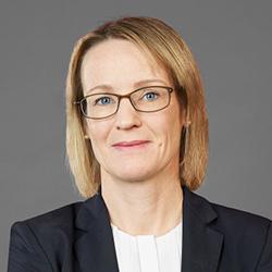 Melanie Kreis - Headshot