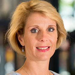 Sandra Schoonhoven - Headshot