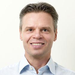 Sören Enholm - Headshot