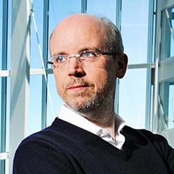 Dirk Holbach - Headshot