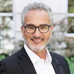 Luis Pajares - Headshot
