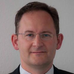 Matthias Graefe - Headshot